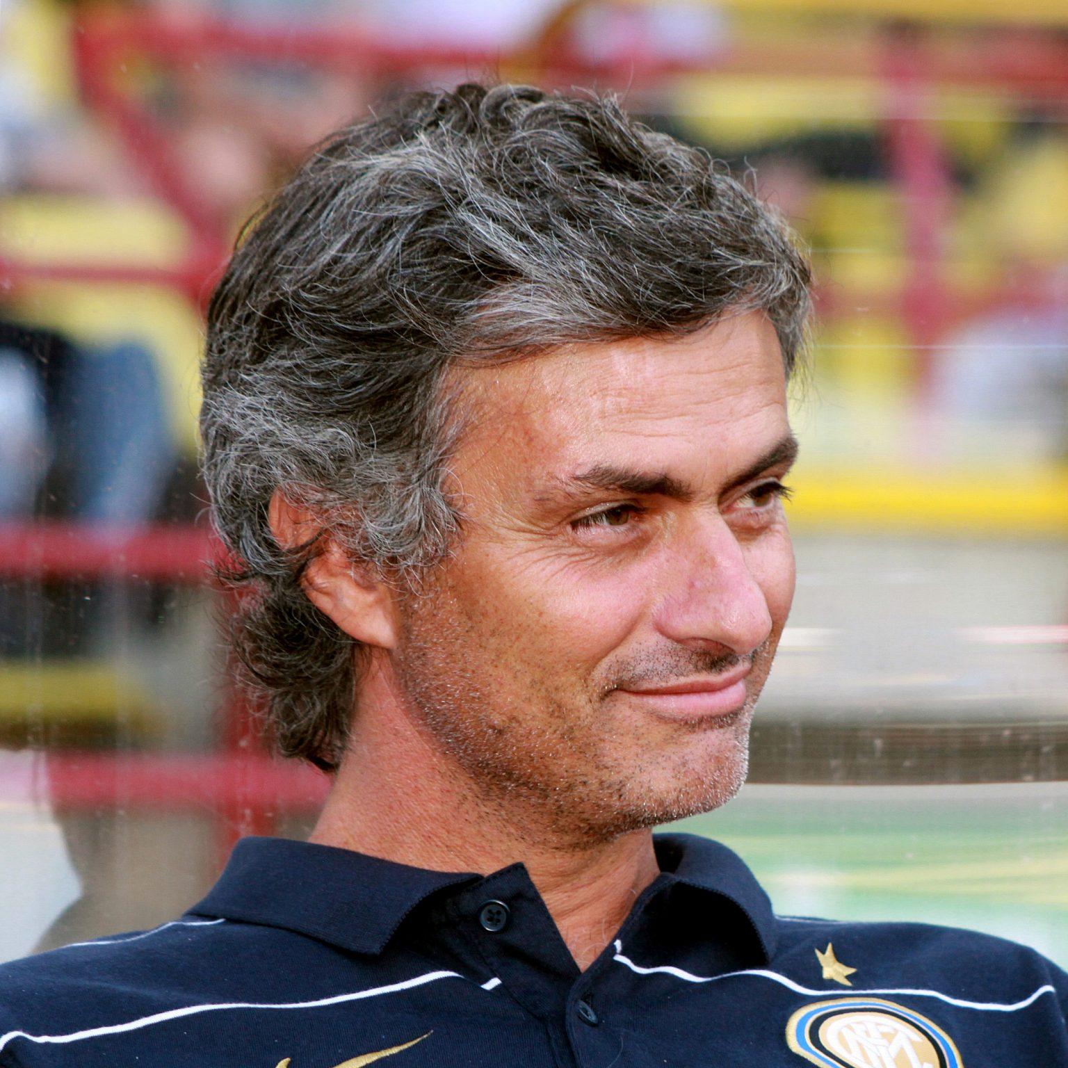 Mijlocaş, antrenor portughez