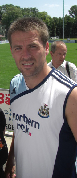 Atacant englez, Liverpool, Balonul de Aur 2001