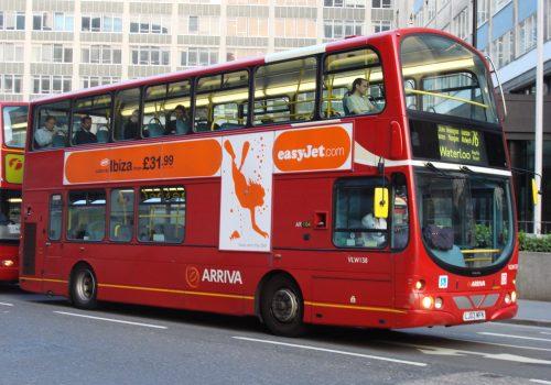 autobuz britanic