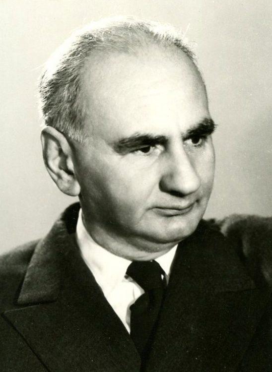 poet, jurnalist român