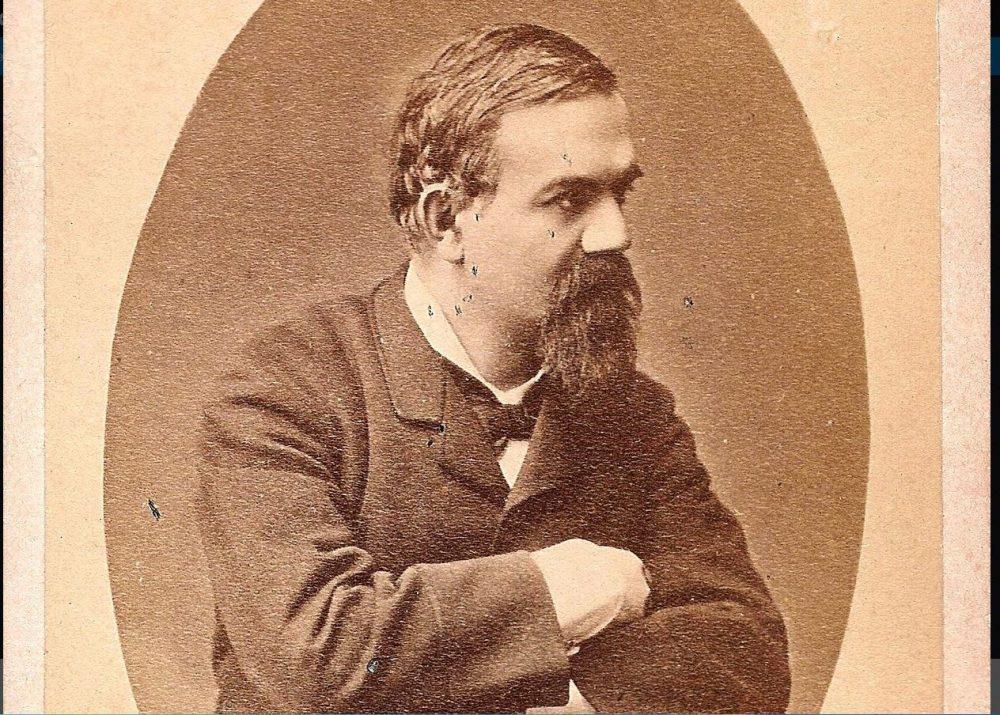 critic literar, scriitor român