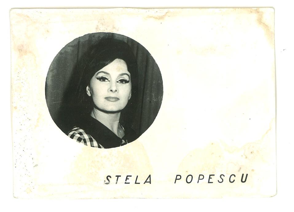 Actriță română de comedie