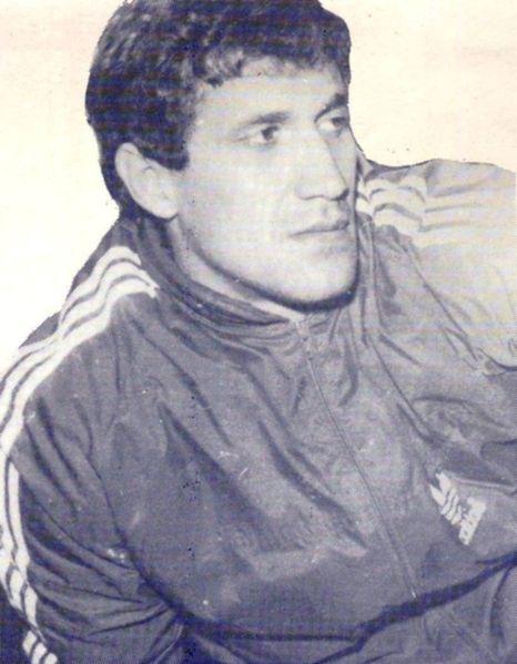 Rodion Cămătaru, atacant al Universităţii Craiova, golgheter român