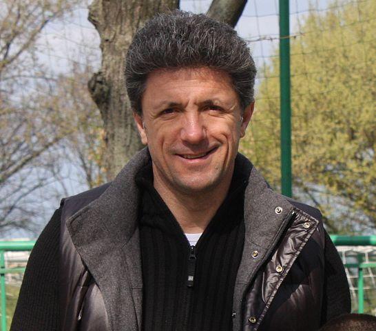 Gheorghe Popescu, fundaş român de fotbal în 2011, Galatasaray, Barcelona, România, Universitatea Craiova