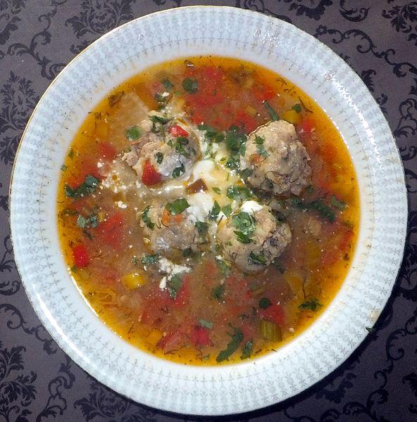 Ciorbă de perişoare, mâncare tradiţională românească