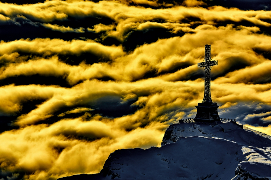 Crucea de pe Caraiman, Enciclopedie.info, Turismul în România