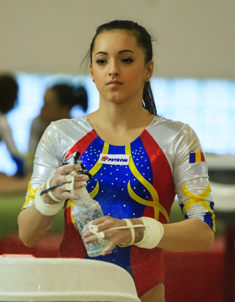 Larisa Iordache, gimnastă română de talie internaţională, multiplă medaliată mondială şi europeană