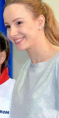 Sandra Izbaşa, gimnastă română de talie internaţională, multiplă medaliată olimpică şi europeană