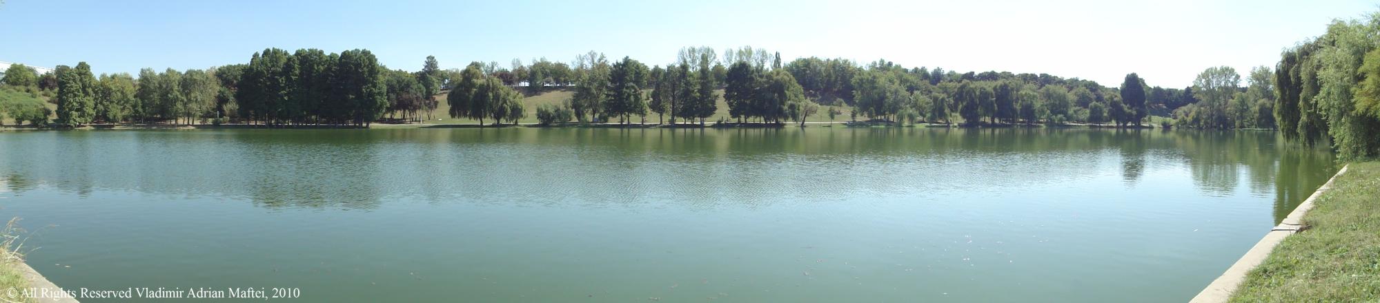 Lacul Tineretului vara